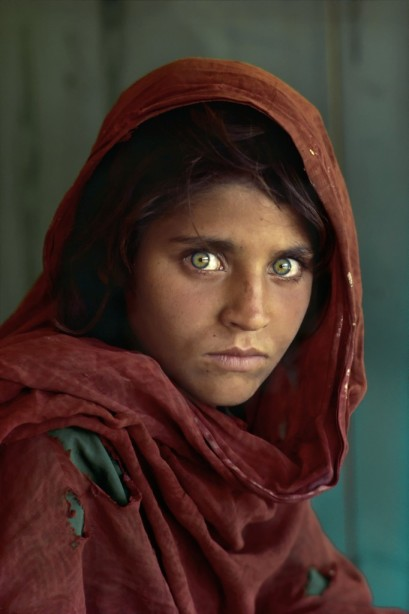 Sharbat_Gula_by_SteveMcCurry-682x1024